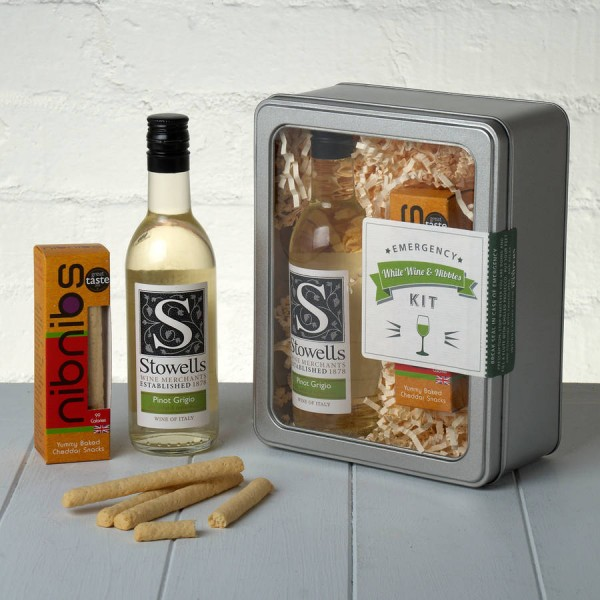 Emergency White Wine and Nibbles Kit Whisk Hampers-20