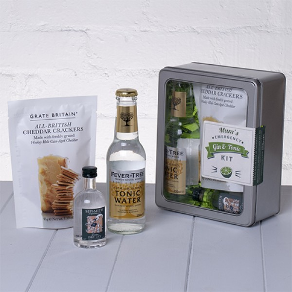 Mums Emergency Gin and Tonic Kit with Crackers Whisk Hampers-20